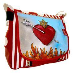 """""""Herzkrone"""" ist ein neues Bag von Leolini. Die Tasche kann aufgrund ihres verstellbaren Gurtbandes �ber die Schulter als auch diagonal als Crossbag getragen werden..."""