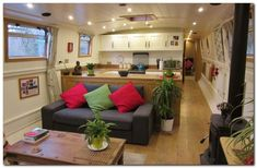 Houseboat Design Ideas - The Urban Interior Barge Interior, Interior Design, Interior Ideas, Narrow Boats For Sale, Canal Boat Interior, Barge Boat, Narrowboat Interiors, Houseboat Living, Houseboat Ideas