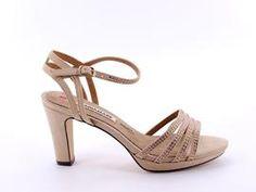 Preciosos zapatos para mujer. #tendencias #tendencia #zapatos #fashion #tiendaonline #zapato #shoes