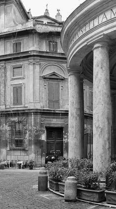 Vicolo Della Pace, Rome, Italy