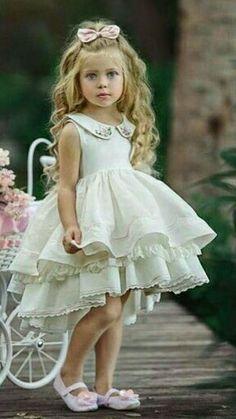 Fashion Kids, Girls Fashion Clothes, Little Girl Fashion, Girls Dresses Sewing, Little Girl Dresses, Flower Girls, Flower Girl Dresses, Toddler Dress, Baby Dress