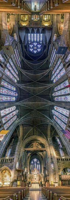 Los impresionante panoramas verticales de Richard Silver de iglesias de Nueva York