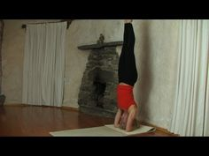 Headstand Tutorial - good demonstration of head placement