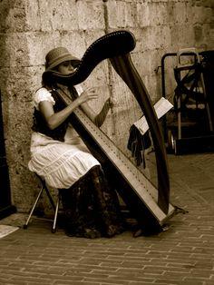 harp in italy