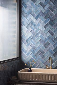 Bathroom Tile Designs, Modern Bathroom Decor, Bathroom Interior Design, Room Tiles Design, Bathroom Ideas, Modern Luxury Bathroom, Ceramic Tile Bathrooms, Colorful Bathroom, Scandinavian Bathroom