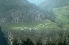 Effigy Mounds National Monument is located 3 miles north of Marquette, Iowa at 151 Hwy 76, Harpers Ferry, Iowa    Google Image Result for http://www.nps.gov/efmo/historyculture/images/flight_1.jpg