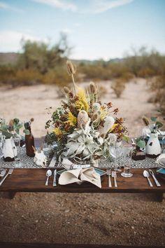 Southwestern table decor | Image by Jonnie + Garrett