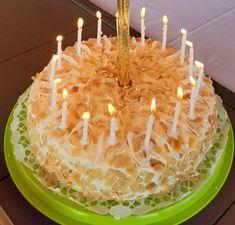 Egy finom, egyszerűen elkészíthető raffaello torta. kókusszal, mandulával.. 16-20 szeletes szülinapi torta lesz a megadott mennyiségből. Izu, Birthday Candles