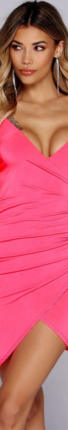 ❈Téa Tosh❈ #windsorstore  #teatosh Hot Pink Fashion, Fashion Bella, Windsor Store, Pink Love, Love And Light, Sexy Dresses, Feminine, Glamour, Elegant
