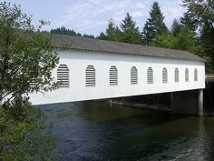 Goodpasture Covered Bridge - Vida Oregon