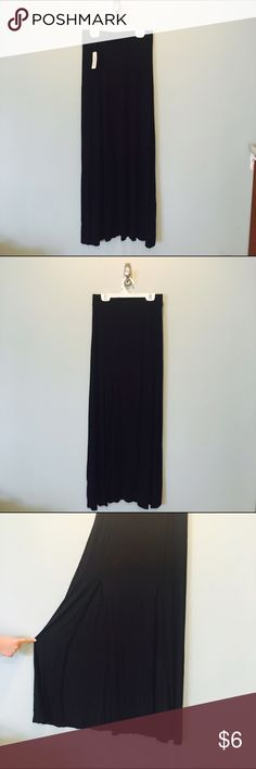 NWT❗️Black Maxi Skirt | Forever 21 Staple piece for any wardrobe Black Forever 21 Maxi skirt | Super soft and comfortable | Elastic waist band | Slits on the front | Forever 21 Skirts Maxi