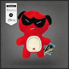 Peluche Ninja Dooodolls. Une peluche monstre rouge Dooodolls vraiment design et originale. Ninja est du signe du zodiaque Capricorne.