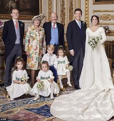 Royal Family Around the World: The Wedding of Princess Eugenie of York to Jack Brooksbank at Windsor Castle on October 2018 in Windsor, England. Royal Wedding Gowns, Royal Weddings, Princess Eugenie, Princess Charlotte, Princess Kate, Royal Family Portrait, Eugenie Wedding, Eugenie Of York, Duchess Of York