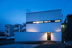 jun ishikawa's box house in fukushima offers residential privacy
