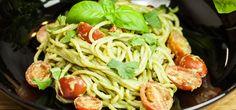 """Die Spaghetti mit Avocadopesto sind super lecker und schnell zubereitet. """"Yasilicious"""" erklärt in ihrem Video das Rezept."""