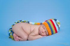 Sessão fotográfica de Recém-nascido (Newborn) Realizada no Estúdio fotográfico Stephânia de Flório, em Praia Grande/SP - Tags: Santos, são vicente, cubatão, guarujá, itanhaém, peruíbe, mongaguá, baixada santista, newborn, photography, book, bebê, inspiration, tips, baby, cute, adorable, inspiration, inspiração, ideas, ideias, dicas, baby boy, brown, pose, posing, posando, cute, lindas fotos, lindo, azul, blue, collorfull