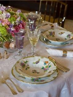 Today at we are celebrating traditional tablescapes complete with fine china silver crystal pressed white linens etc. Are these things going by the wayside with todays more casual lifestyle? Lets hope not! Dresser La Table, Herend China, Beautiful Table Settings, Deco Table, Decoration Table, China Dinnerware, Dinner Table, Home Interior, Fine China