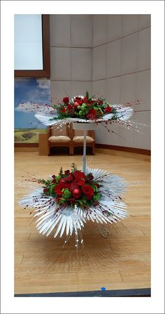 Church Flower Arrangements, Church Flowers, Christmas Arrangements, Funeral Flowers, Church Altar Decorations, Wedding Decorations, Table Decorations, Bouquet Holder, Arte Floral