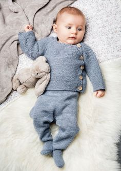 Click to close image, click and drag to move. Use arrow keys for next and previous. Cute Baby Boy, Cute Little Baby, Little Babies, Cute Babies, Knitting For Kids, Baby Knitting Patterns, Knitting Ideas, Knitting Projects, Knitted Baby Clothes