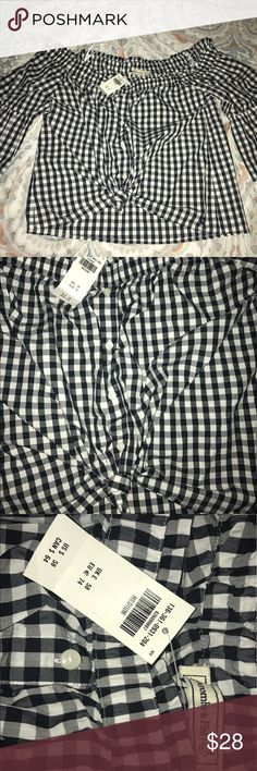 Off the shoulder plaid top Cute off the shoulder women's top from Abercrombie & fitch! Black and white plaid, buttons down the front & ties on the bottom. New with tags, never been worn, size M Abercrombie & Fitch Tops Blouses