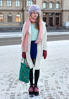 Ina, 23 I HEL LOOKS- winter pastels
