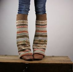 Cute legwarmers made out of the sleeves of old sweaters! Awesome for this cold winter. Brr!
