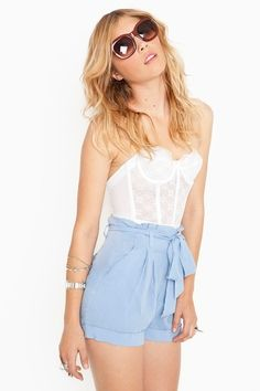 Fashion : lets all get high waisted shorts