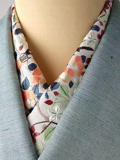 Collar of kimono. Hand embroidery.  椿 手刺繍半衿