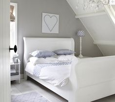 Natural wood bedroom cozy beige white grey