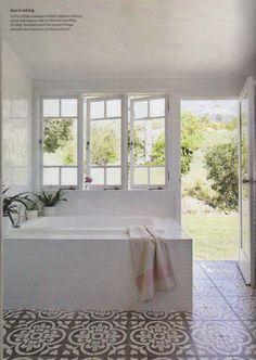 Fra flinke Jatana Interiors i Australia. Nice bathroom - would want a border for the tiles Jatana interiors as featured in country style april Diy Bathroom Decor, Bathroom Colors, Bathroom Interior Design, Bathroom Ideas, Laundry In Bathroom, Small Bathroom, Indoor Outdoor Bathroom, Southern Homes, Beautiful Bathrooms
