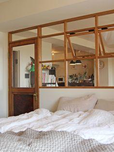 BEDROOM/ベッドルーム/寝室/室内窓/リノベーション/フィールドガレージ/FieldGarage Inc.