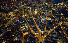 City of London - Jason Hawkes Aerial Photographer. I love how you can still see the medieval street plan. The Bank of England is in the foreground with Norman Foster's St Mary Axe building behind to the left. Tower Bridge is on the right. City Of London, London Nightlife, London Tours, Antalya, The Places Youll Go, Places To Go, Rio Tamesis, Sky View, London Photos