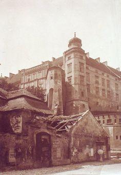 Kościół św. Idziego Krakow Poland, World Cities, Warsaw, Planet Earth, Old World, Old Photos, Prison, Places To Travel, Castle