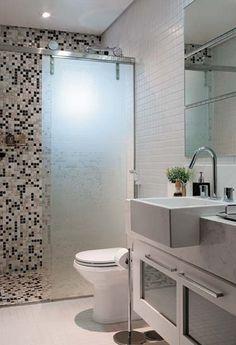 Modern Small Bathroom Design The Basic Components of Modern Bathroom Designs Modern Small Bathroom Design. Incorporating a modern bathroom design will give you a more … Modern Small Bathrooms, Bathroom Design Small Modern, Bathroom Interior, New Interior Design, Bathroom Makeover, Small Bathroom, Bathroom Decor, Home, Bathroom Layout