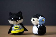 Every Year I Crochet Superheroes And Hide Them In San Diego For People To Find - BoredPanda Crochet Ball, Crochet Diy, Crochet For Boys, Love Crochet, Batman Crochet, Amigurumi Patterns, Crochet Patterns, San Diego, Crochet Keychain Pattern