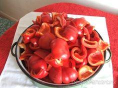 gogosari cum face sotia mea Vegetables, Food, Canning, Essen, Vegetable Recipes, Meals, Yemek, Veggies, Eten