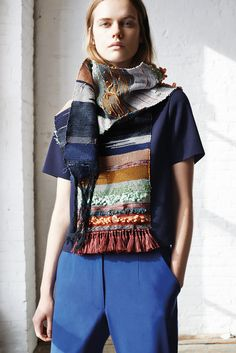 Suno Pre-Fall 2015 Fashion Show Collection: See the complete Suno Pre-Fall 2015 collection. Look 19 Fashion Details, Fashion Design, Fashion Trends, Love Knitting, Ethno Style, Mode Inspiration, Mode Style, Fall 2015, Knitwear