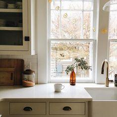 Фотографии всех реализованных нашей студией проектов дизайна интерьера домов, кварти.#farmhouse #kitchen #interiordesign | #tobecontinued #projectreveal #avenuedesignstudionl #verilymoment #thehappynow #theartofslowliving #onmytable #thisismycommunity #myeve