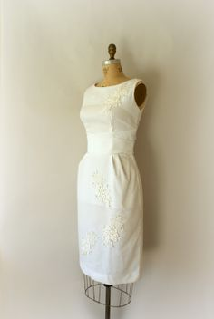 1950s Vintage Wedding Dress - from Sweetbeefinds