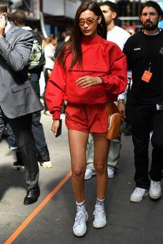 These stylish celebrities have the streetwear game under control - These stylish . - These stylish celebs have the streetwear game under control – These stylish celebs have the stree - Street Style Boho, Italian Street Style, Rihanna Street Style, Mode Rihanna, European Street Style, Looks Street Style, Sport Street Style, Street Style Women, Street Styles