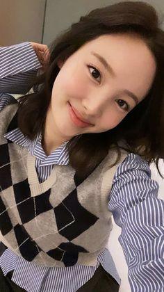 Kpop Girl Groups, Korean Girl Groups, Kpop Girls, My Girl, Cool Girl, Twice Chaeyoung, Twice Tzuyu, Nayeon Twice, Twice Kpop