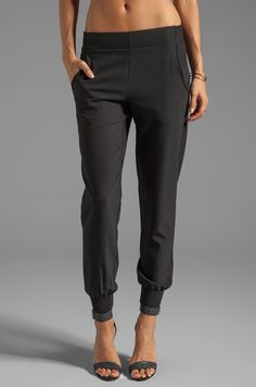 Shop for Theory Persha Slim Jogger Pant in Black at REVOLVE. Free day shipping and returns, 30 day price match guarantee. Jogger Pants Outfit Dressy, Black Joggers Outfit, Black Jogger Pants, Dressy Outfits, Simple Fall Outfits, Fall Fashion Outfits, Autumn Fashion Grunge, Silk Joggers, Pixie Pants