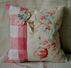The Decorative Living Fair is coming to Chelsea! On Wednesday September Chelsea Old Town Hall will be full of decorative antiques. Sewing Pillows, Diy Pillows, Decorative Pillows, Throw Pillows, Fabric Crafts, Sewing Crafts, Sewing Projects, Vintage Textiles, Vintage Pillows