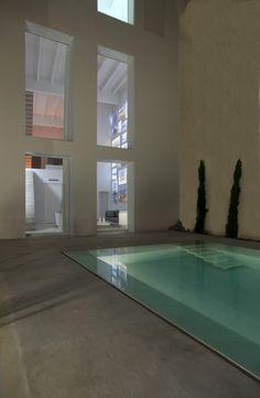 El arquitecto Borja García crea un diálogo entre casa y marca en la sede de Gandía Blasco. | diariodesign.com