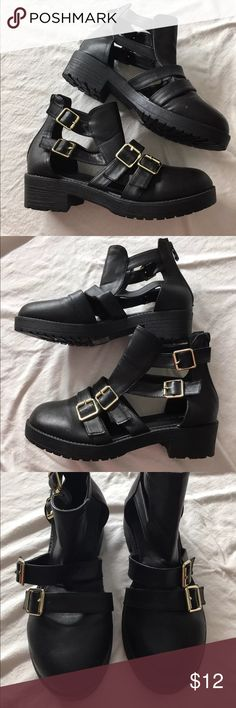 NWOT Black Buckle Cut Out Booties ••••Black•••• Size 7🌻 New without tags 🌻 Forever 21 Shoes Ankle Boots & Booties