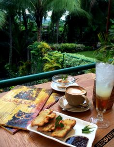 Bali is not just about beautiful beaches and fascinating culture, it also has plenty of food options on offer. Here are the summary of what we ate the whole time we're in Bali Ubud, Places To Eat, Ph, Bali, Coffee, Ethnic Recipes, Kaffee, Cup Of Coffee