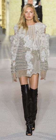 Balmain Spring-summer 2018 - Ready-to-Wear - http://www.orientpalms.com/Balmain-6951 - ©ImaxTree