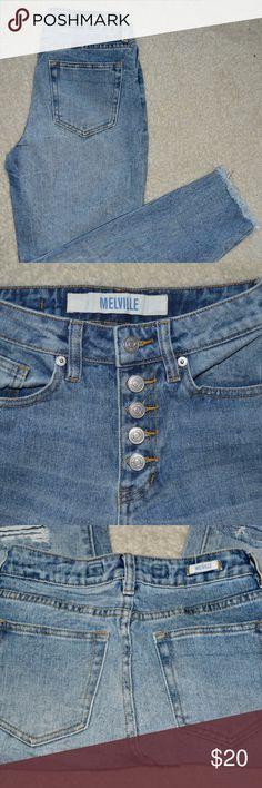 Brandy Melville Boyfriend Jeans Brandy Melville Boyfriend Jeans Worn Once! Rips in both knees Brandy Melville Jeans Boyfriend