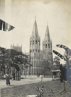 The San Sebastian Church in Manila, Philippines Circa 1902 Credit: University of Michigan Vintage Pictures, Old Pictures, Old Photos, Philippines Culture, Manila Philippines, Philippine Architecture, Philippine Art, Filipino Culture, Mindanao