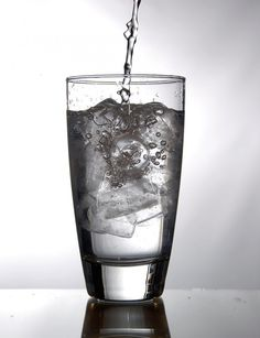 Here are 10 Tips to help you drink more water and lose weight.